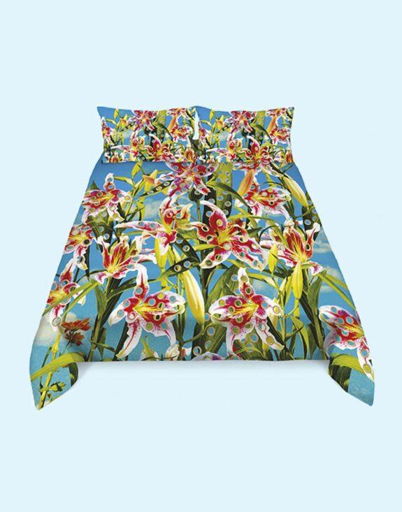bedding-set-flower-with-holes.jpg