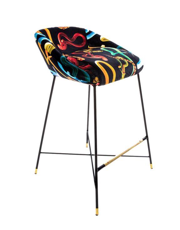 high-stool-snakes-01